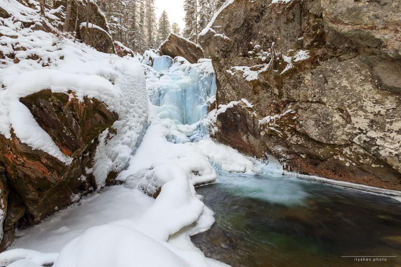 водопад, осень, лед, урал, пейзаж, природа, река, жигалан Застывшие воды Жигаланаphoto preview