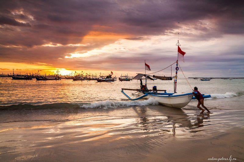 индонезия, океан, закат Вечерняя рыбалкаphoto preview