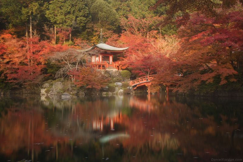 Kyoto, November. Daigojiphoto preview