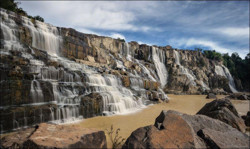 Водопад Pongourphoto preview