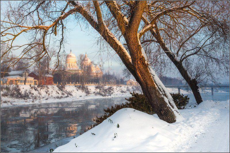 Россия, Тверская обл, Торжок На берегу Тверцыphoto preview
