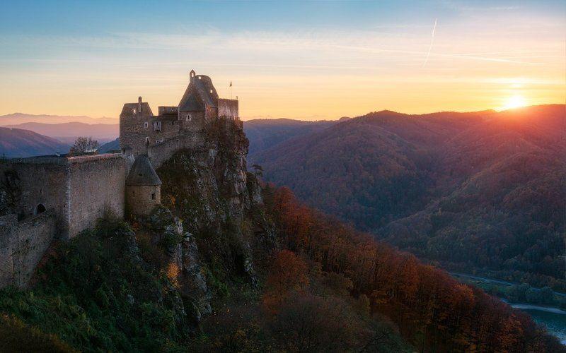 аггштайн, австрия, вечер, сумерки, закат, осень, солнце, холмы, замок, скалы Аггштайнphoto preview