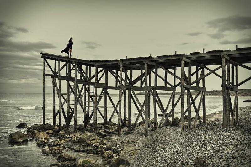 bridge sea woman Libertyphoto preview