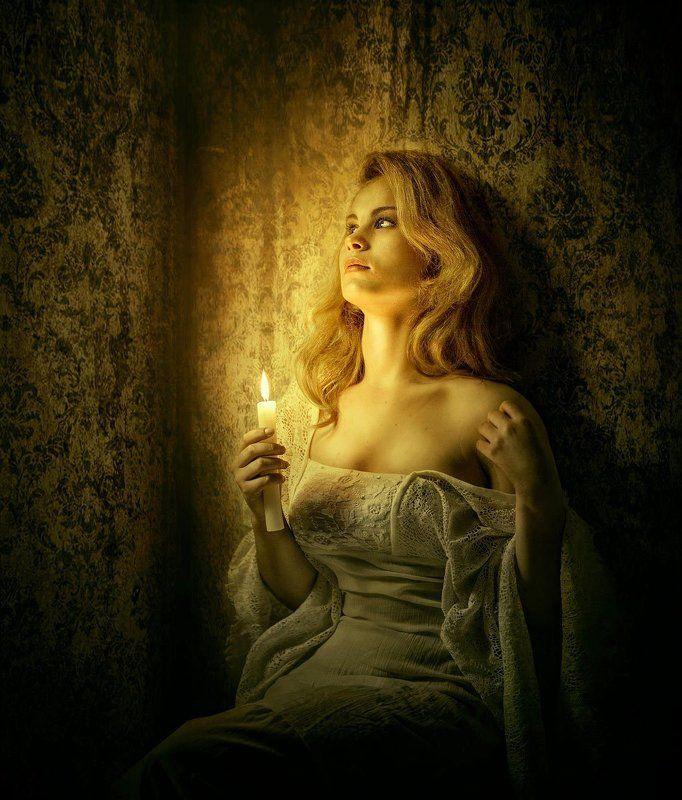 девушка, свеча. Пятый угол.photo preview