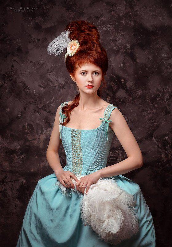 рококо, девушка, сценические костюмы, скрипка, девушка со скрипкой, перья рококоphoto preview
