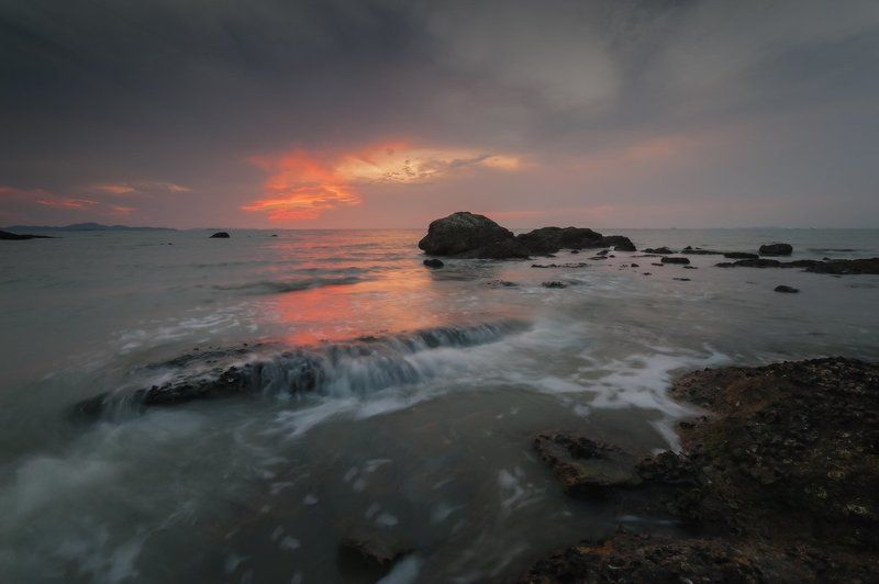 thailand, sunset, stones, sea, pattaya, 2013 А за нами где-то середина лета и прошедших встреч тепло. photo preview