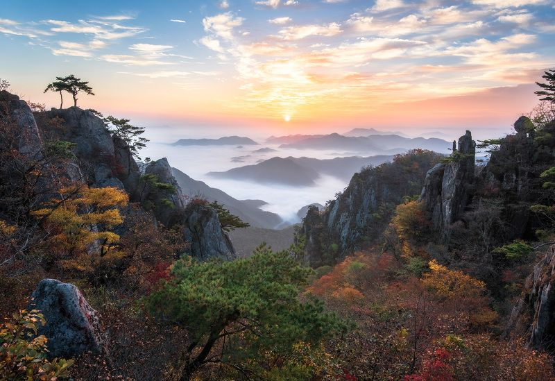 rock formations, mountain, fall, morning Valley of the cloudsphoto preview