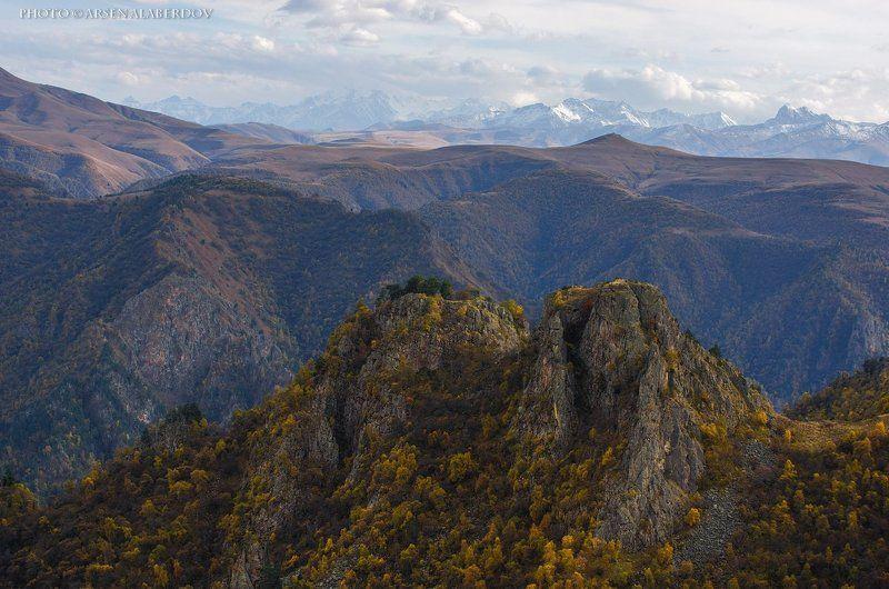 горы, предгорья, хребет, вершины, пики, снег, осень, зима, скалы, холмы, долина, облака, путешествия, туризм, карачаево-черкесия, кабардино-балкария, северный кавказ ОСЕНЬ В ПРЕДГОРЬЯХ КАВКАЗАphoto preview