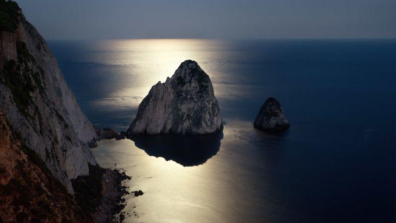закинтос, греция, zakinthos, море, кери, greece, закинф, mizithra Rocks Large and Small Mizithra in moonlight.photo preview