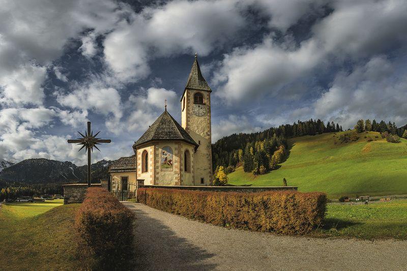 доломиты, италия, пейзаж, осень Chiesa di San Vitophoto preview