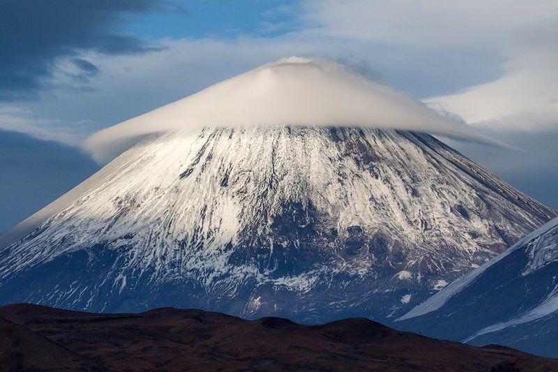 камчатка, вулкан, облако, осень, природа, пейзаж, путешествие, фототур,  Шляпа для вулканаphoto preview
