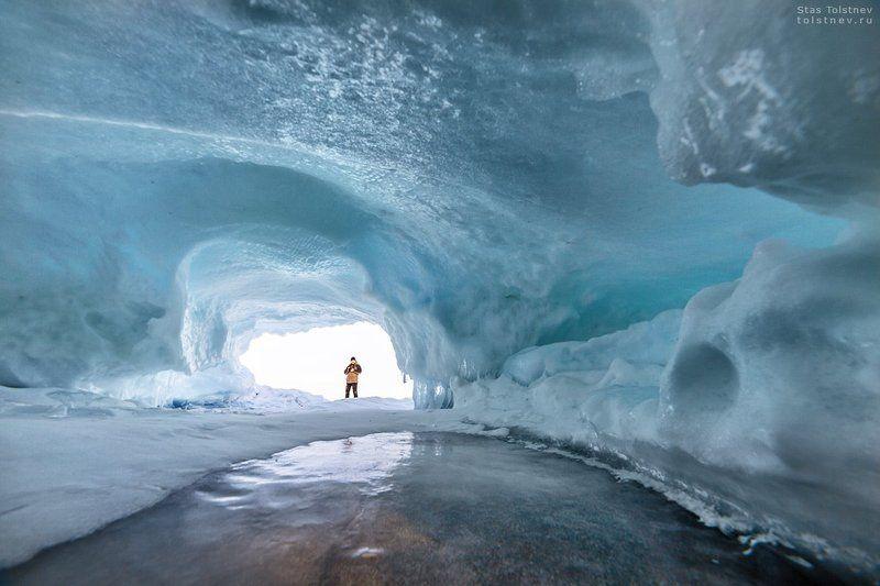 Ледяные пещеры на Байкалеphoto preview