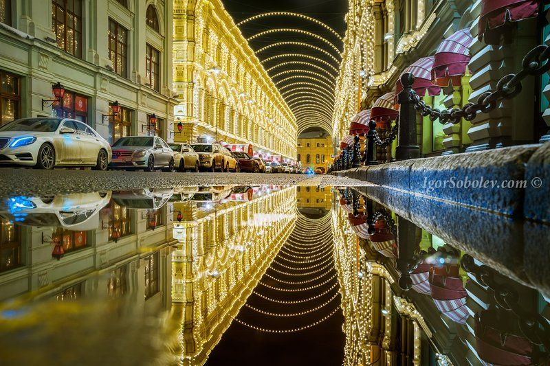 architecture, city, cityscape, evening, gum, history, machine, moscow, reflection, russia, state department store, store, vetoshny lane Ночная паутинка Ветошного переулкаphoto preview