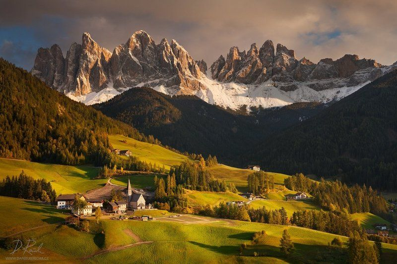 Alpen, Alps, Dolomiten, Dolomites, Dolomiti, Italia, Italien, Italy, South Tyrol, Tyrol, Belluno, Alto Adige,  Alta Badia, Europe, Funes, St. Johann, Val di Funes, Le Odle, St. Magdalena, S.Madalena, Geisler, Odles, Trentino, travel, South church, pasture Picturesque valleyphoto preview