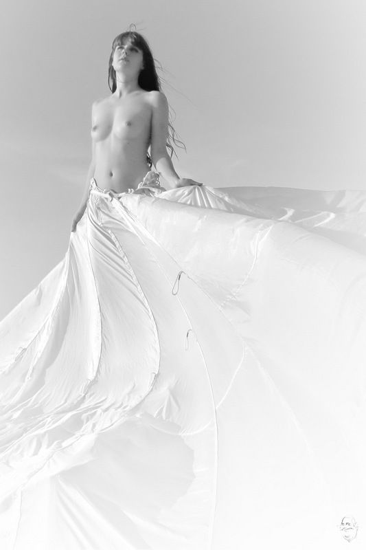 girl, nude, parachute Spiel mit dem Wind 2 (play with the wind 2)photo preview