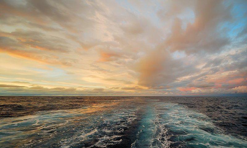 атлантика, в тропической Атлантикеphoto preview