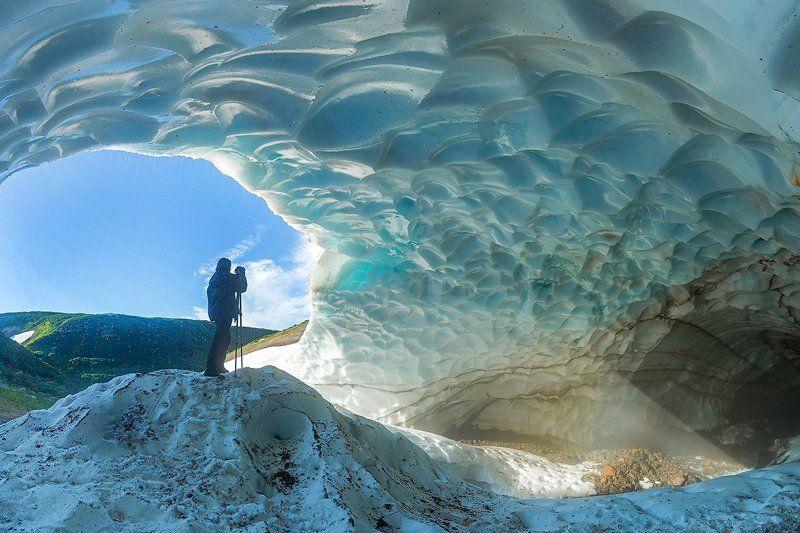 камчатка, вулкан, пещера, снег, лед, лето, природа, путешествие, фототур, пейзаж, В ледяной пещереphoto preview