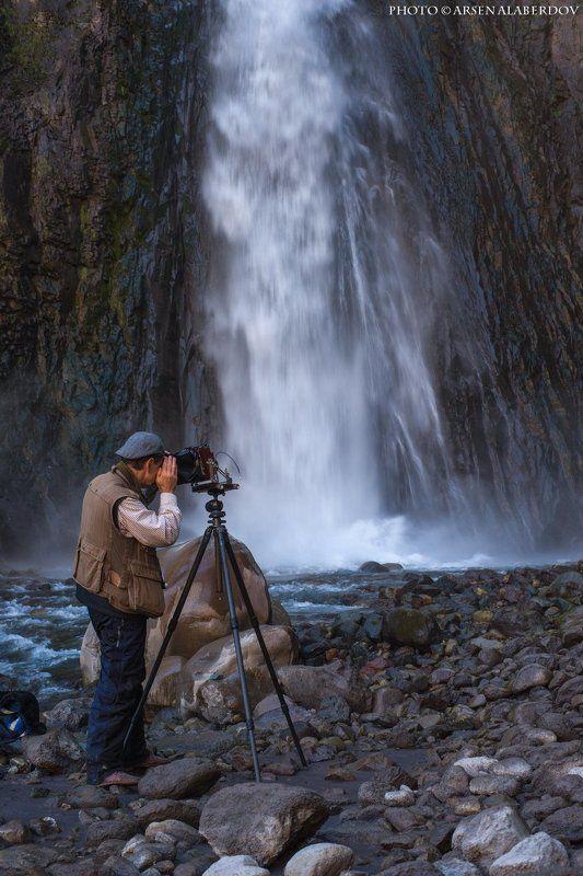 Водопад, Горная река, Горы, МАСТЕР, ОБРЫВ, Пленка, Северный кавказ, Скала, Фотограф, ШТАТИВ ФОТОХУДОЖНИК АЛЕКСЕЙ ЗАМОРКИН ЗА РАБОТОЙphoto preview