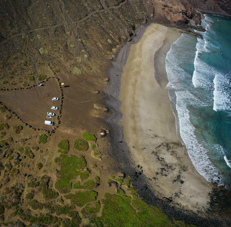 Канарские острова, Канары, Лансароте, Орзола, пляж, море На пляжphoto preview