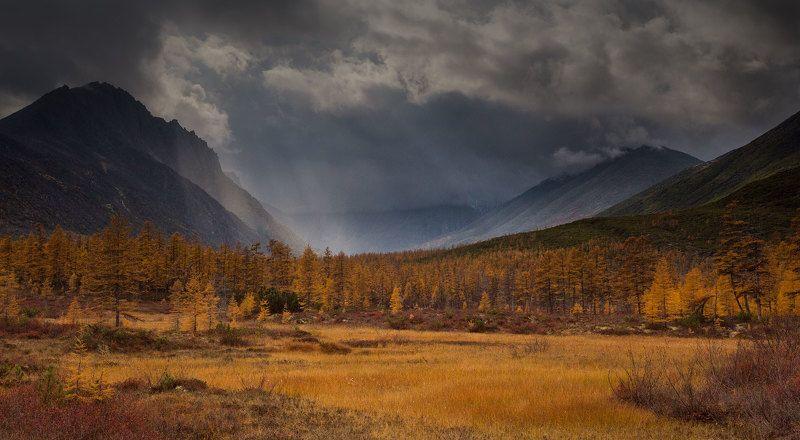 Непогода в горах, непогода...photo preview
