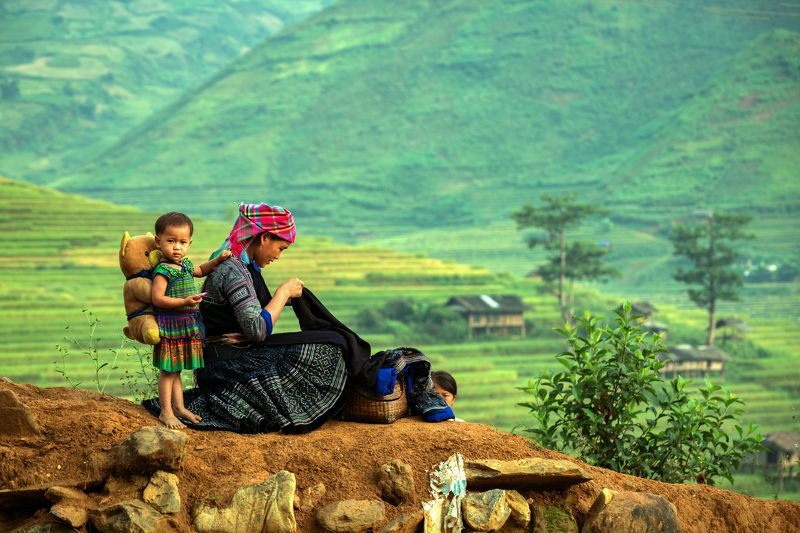 child,mom,portrait,vietnam,laos,hmong,mother,son, Mom and childphoto preview