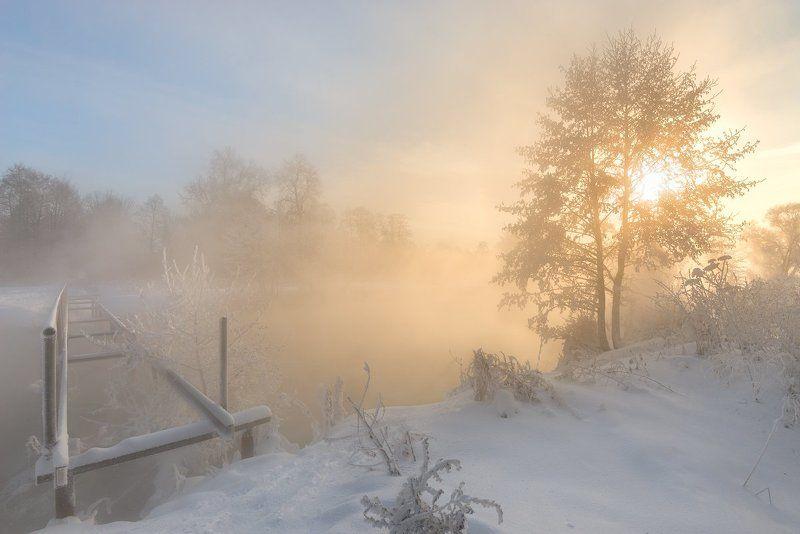 И под утро снегом,поле побелело.photo preview