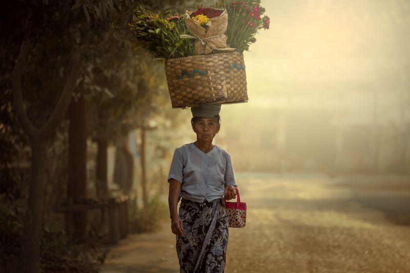 burma,people,street,myanmar,life,woman,walking,market, Burmese culturephoto preview