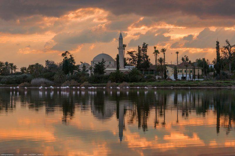 Фламинго, Ларнака, кипр, озеро, закат, мечеть, небо, облака, отражение, птицы, минарет, розовый, оранжевый, зима, лето Закат с фламинго - Sunset over flamingophoto preview