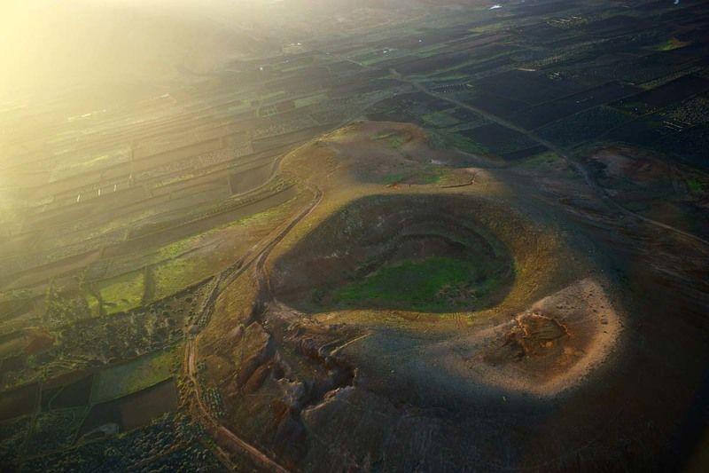 Испания, Канарские острова, Канары, вулкан, аэро, aerial Заглянуть в кратерphoto preview