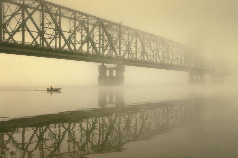 город, архангельск, осень, утро, туман, мост, лодка Между мостамиphoto preview