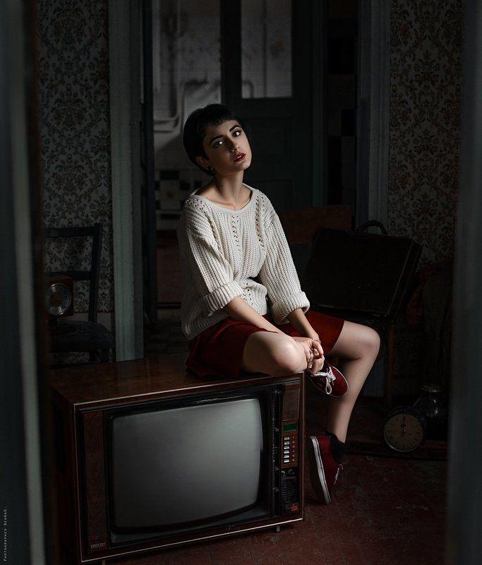 portrait, beauty, beautiful, model, girl, pretty, color, eyes, art, photo, nikon, conceptual, 50mm, dantar90, begmad, портрет, глаза, красивая, взгляд The old housephoto preview