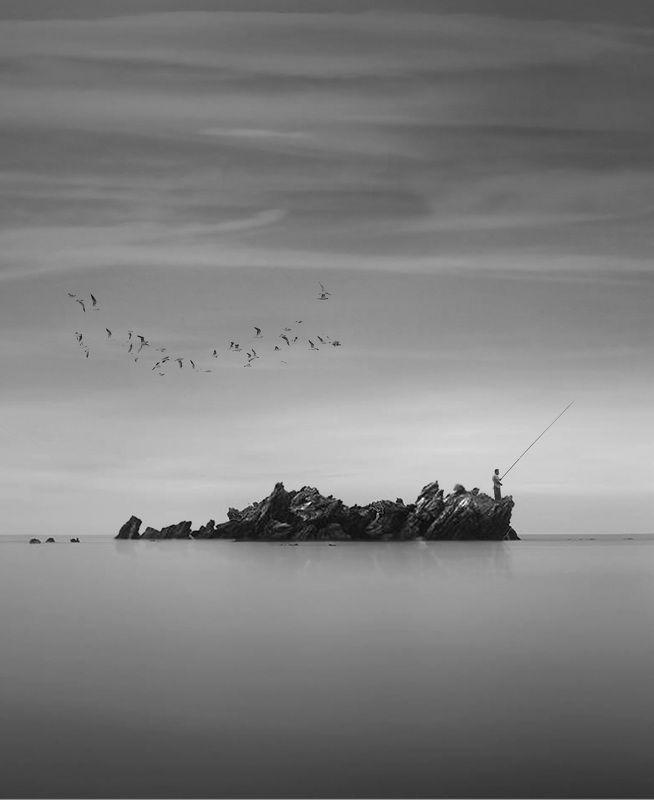 #man #cloudly #bnw #fine_art #sky #cloud #mehrzad_photo #hossein_mehrzad #black_and_white #b&w #editing #photoshop #creative #photo_art #digital #mehrzad #photography #creative_art #consept_art #freedom #woman #blood #pesonal #crush Hunter seaphoto preview