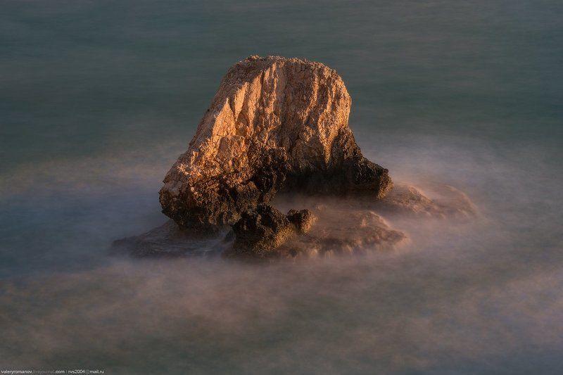 айя-напа, кипр, мост возлюбленных, море, скала, камень, закат, зима, солнце, море, синий, зеленый, земля Морское чудовище - The sea beastphoto preview