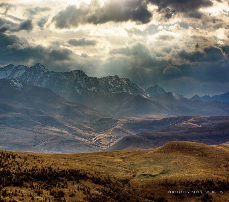 горы, предгорья, хребет, вершины, пики, снег, осень, зима, скалы, холмы, долина, облака, путешествия, туризм, карачаево-черкесия, кабардино-балкария, северный кавказ ХОЛМЫ, ГОРЫ И ПРИГОРКИphoto preview