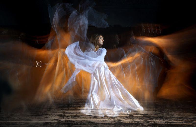 ... танцующая в огнеphoto preview