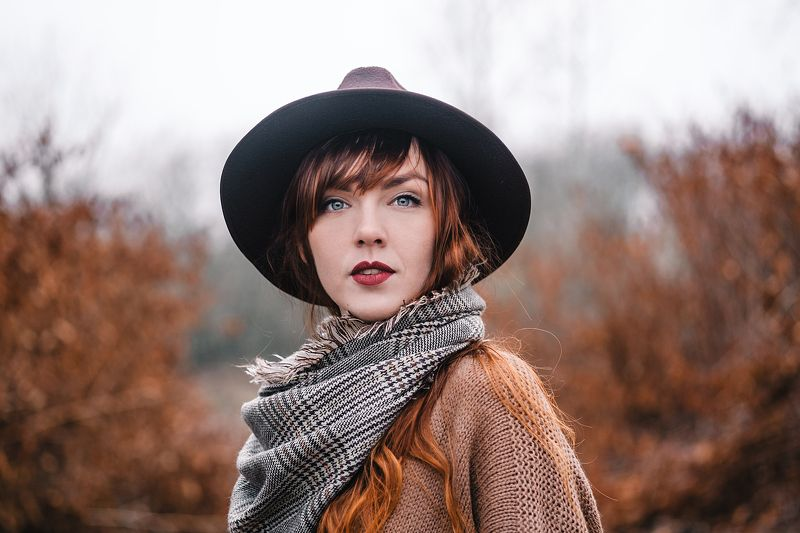 девушка портрет модель осень annromanovska girl portrait beautiful model autumn жженая умбра Outsidephoto preview