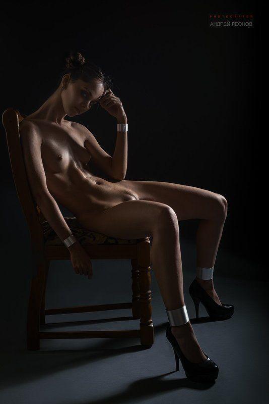 #фигура #девушка #фотосессия #фоторостов #rostov #girl #beautiful #rostovtfp #уши #photo #model #ростовнадону #стул #студия #худая *photo preview