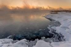 Восход у края вод