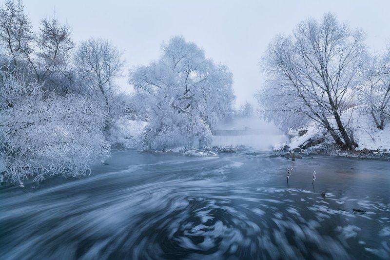 утро, рассвет, туман, пейзаж, пейзажное фото, россия, средняя полоса, иней, водоворот, река, пасмурное утро, листвянка Пасмурное утроphoto preview