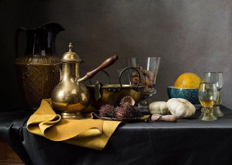 натюрморт, желтая салфетка, тропические фрукты,кофейник, кувшин Вариации с желтой салфеткойphoto preview