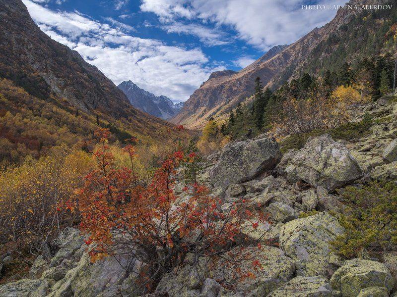 горы, предгорья, хребет, вершины, пики, снег, осень, зима, скалы, холмы, долина, облака, путешествия, туризм, карачаево-черкесия, кабардино-балкария, северный кавказ БАДУКСКОЕ УЩЕЛЬЕphoto preview