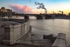 У Бородинского моста.