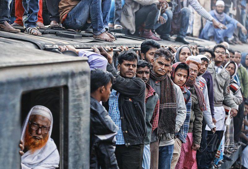 поезд, пассажир, толпа, взгляды, лица, вагон, бангладеш Нет свободных местphoto preview
