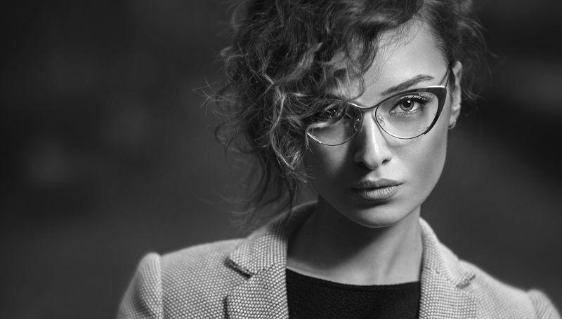 ... портрет девушкиphoto preview