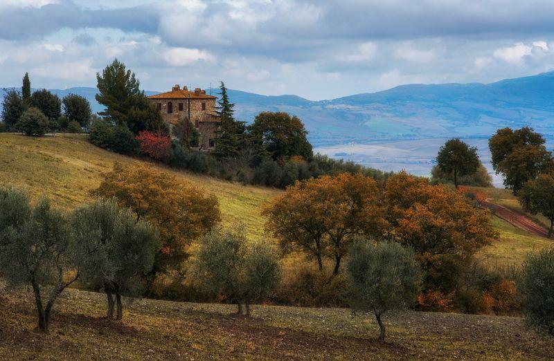 Тоскана Италия пейзаж осень агритуризмо виллы Тосканские осенние домикиphoto preview