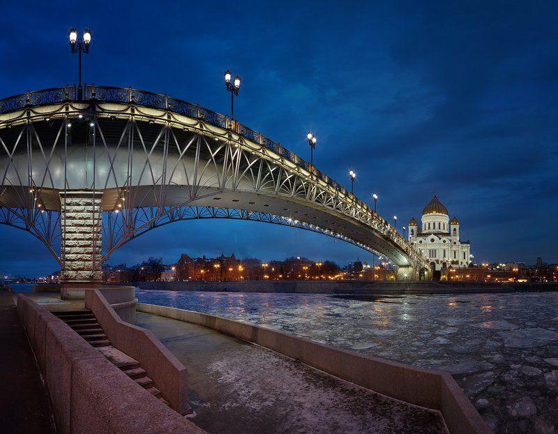 патриарший, мост. панорама 17 кадров твоих мостов ажур чугунный... 2photo preview