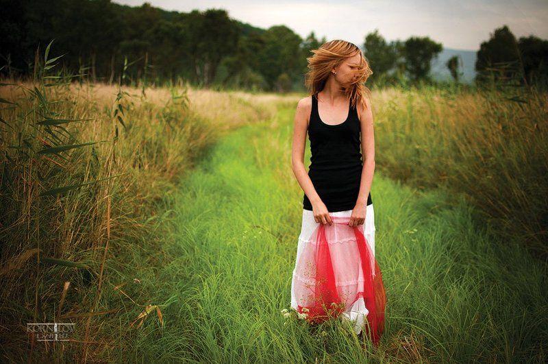 девушка, , поле, трава, волосы, ветер, северные, , земли, , дмитрий, , корнилов ###photo preview
