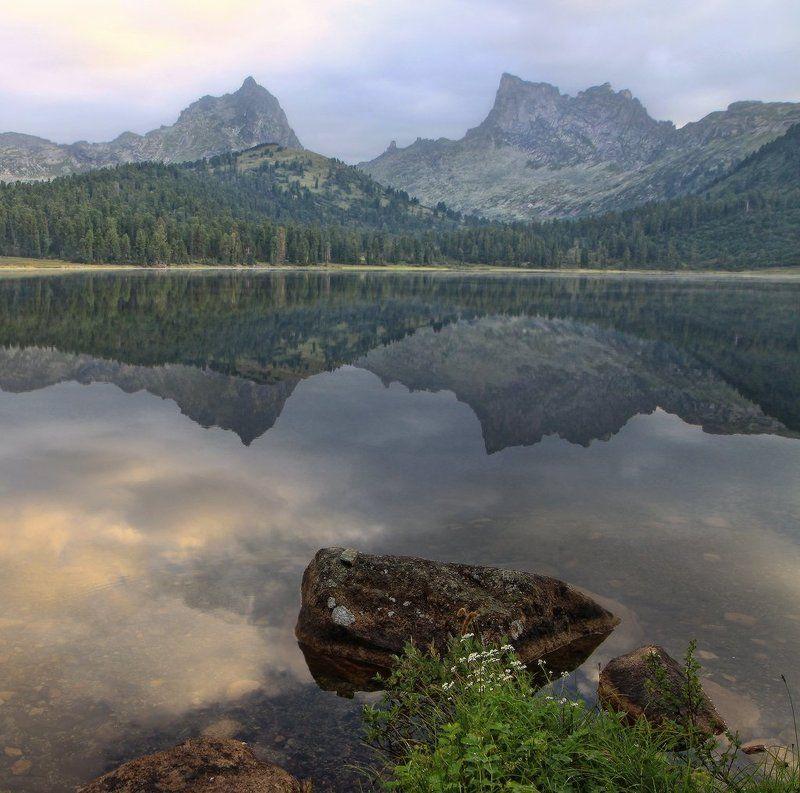 ергаки, озеро светлое, утро, горы Невесёлое утроphoto preview