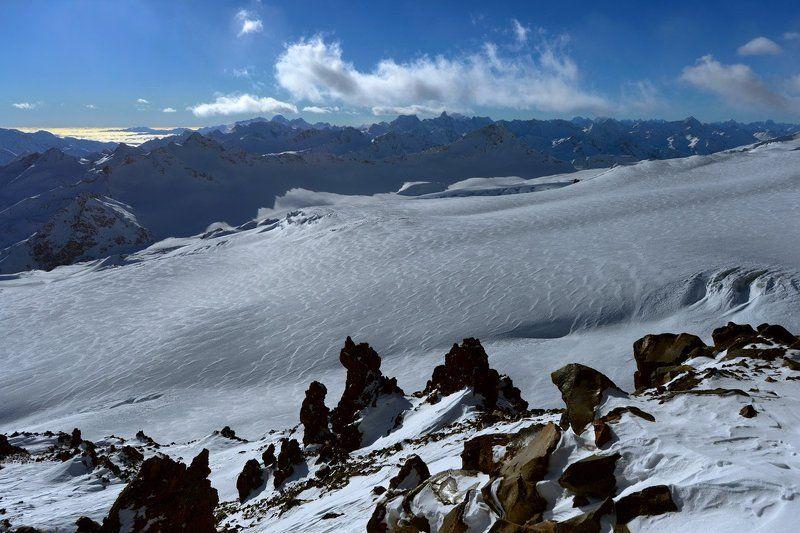 За морем снега - море облаковphoto preview