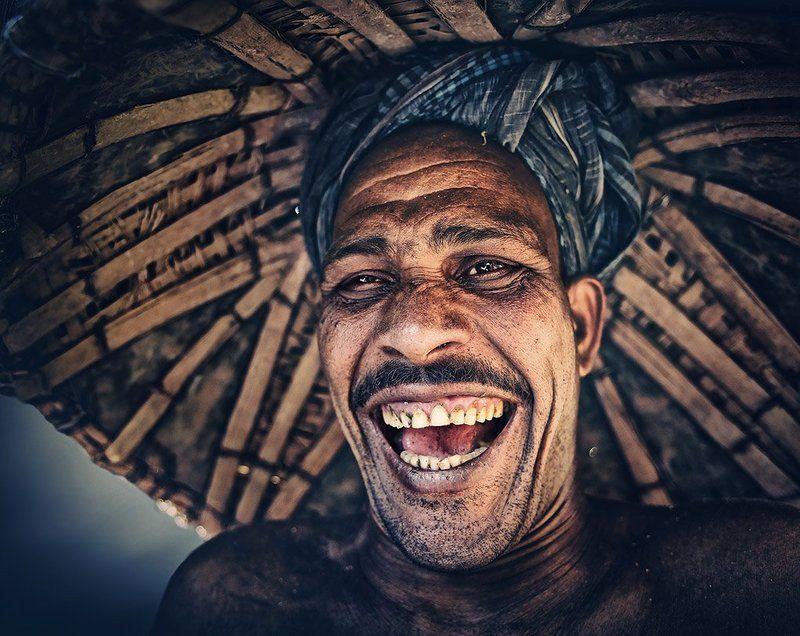 улыбка, мужик, рабочий, шляпа, рот, эмоция, настроение, работяга Улыбка до ушей...photo preview